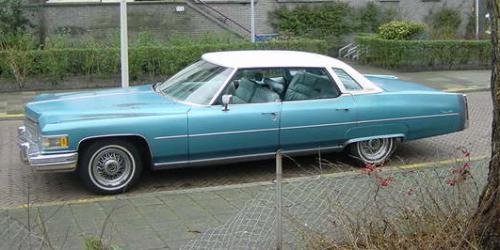 27. 1976 Sedan