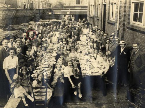 Tea Complet georganiseerd door M.T. Royal Berkshire Regiment