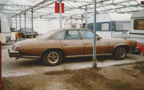 In de jaren 1984 tot 2000 stond de Pontiac vaak in een caravanstalling in Wateringen